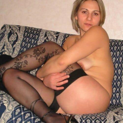 Gefallen dir meine dunklen Strumpfhosen?